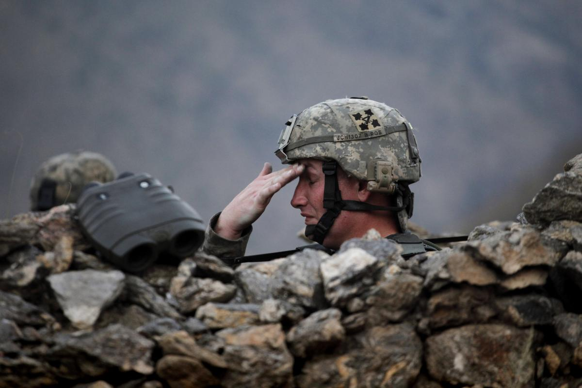 A U.S. soldier in the Pesh valley, Afghanistan, August 2009